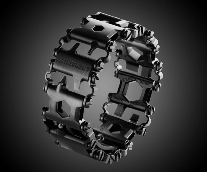 leatherman-tread-bracelet-wearable-multi